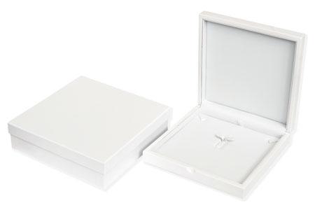 Windsor Collar Box Image