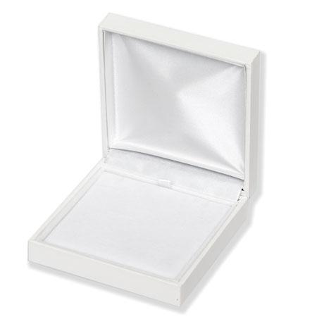 Pristine Universal Boxes Image