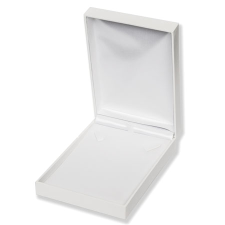 Pristine Portrait Necklace Boxes Image